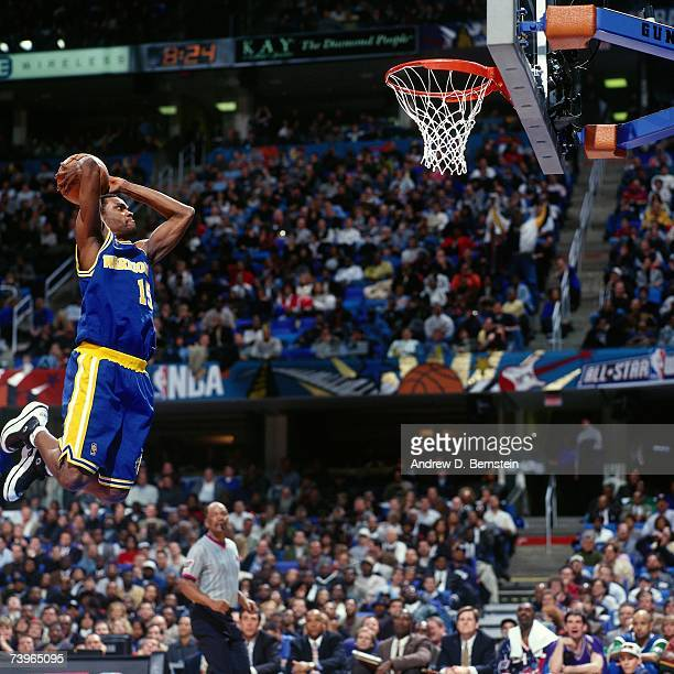 Latrell Sprewell of the Western Conference AllStars dunks against the Eastern Conference AllStars during the 1997 AllStar Game on February 9 1997 at...