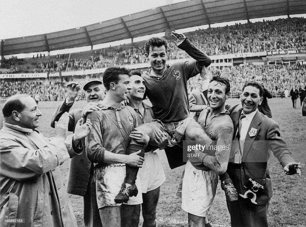SOCCER-WORLD CUP-1958-FRANCE-WEST GERMANY-JUST FONTAINE : News Photo