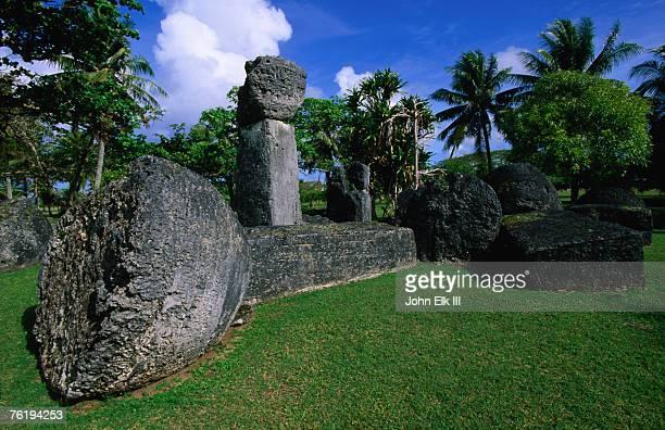 latte stones at taga house, san jose, tinian island, northern mariana islands, pacific - 北マリアナ諸島 ストックフォトと画像