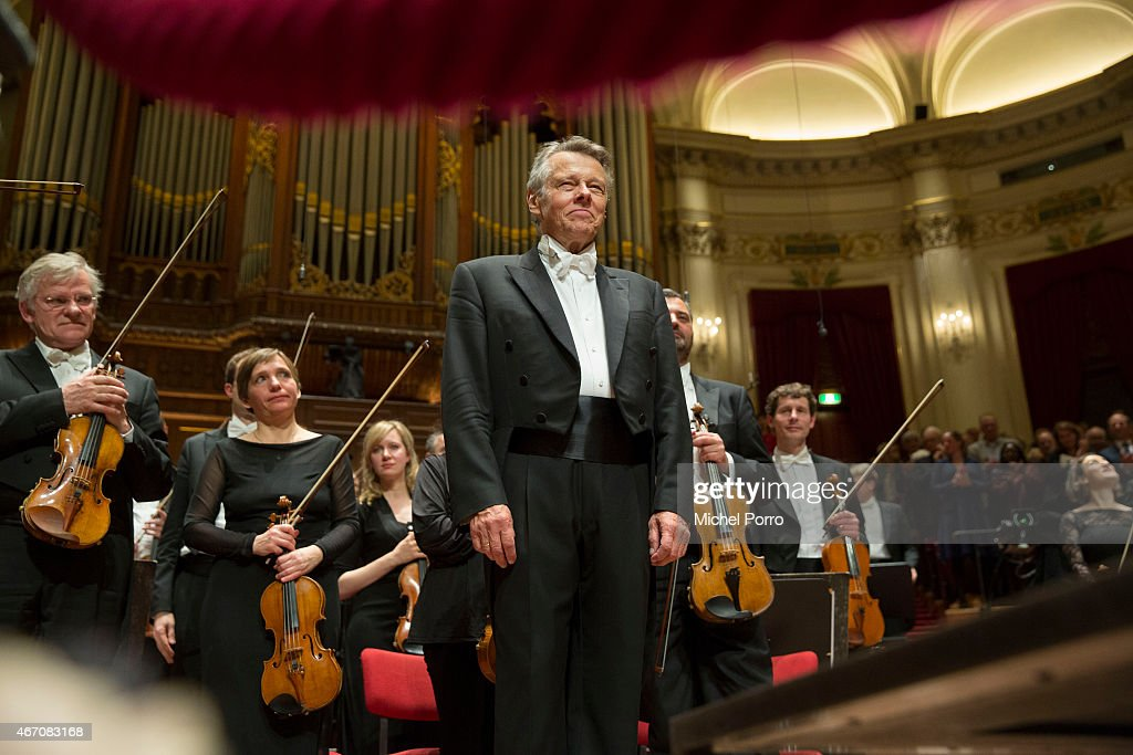 Latvian conductor Mariss Jansons acknowledges applause after his final concert with the Royal Concertgebouw Orchestra on March 20, 2015 in Amsterdam, The Netherlands.