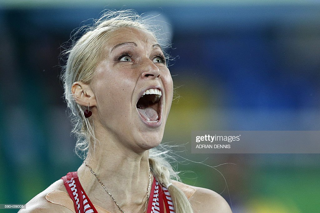 TOPSHOT - Latvia's Sinta Ozolina competes in the Women's Javelin Throw Qualifying Round during the athletics event at the Rio 2016 Olympic Games at the Olympic Stadium in Rio de Janeiro on August 16, 2016. / AFP / Adrian DENNIS