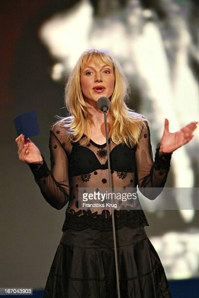 Laudatorin Und Schauspielerin Johanna Ter Steege Bei Der Verleihung Des Europäischen Filmpreis In Berlin Am 061203 .