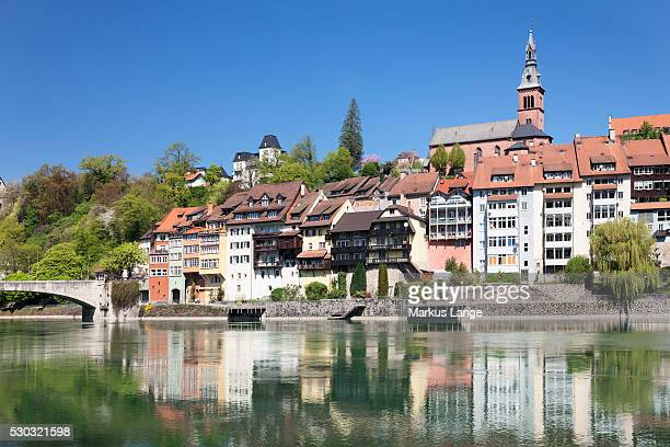 laufenburg, heilig geist kirche church, rhine river, hochrhein, black forest, baden- wurttemberg, germany, europe - kirche stock pictures, royalty-free photos & images