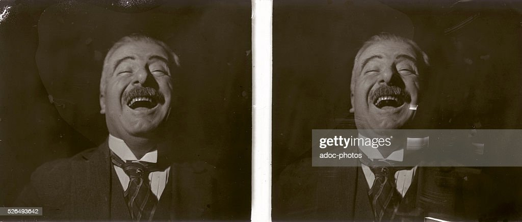 A laugh (France). Ca. 1900.