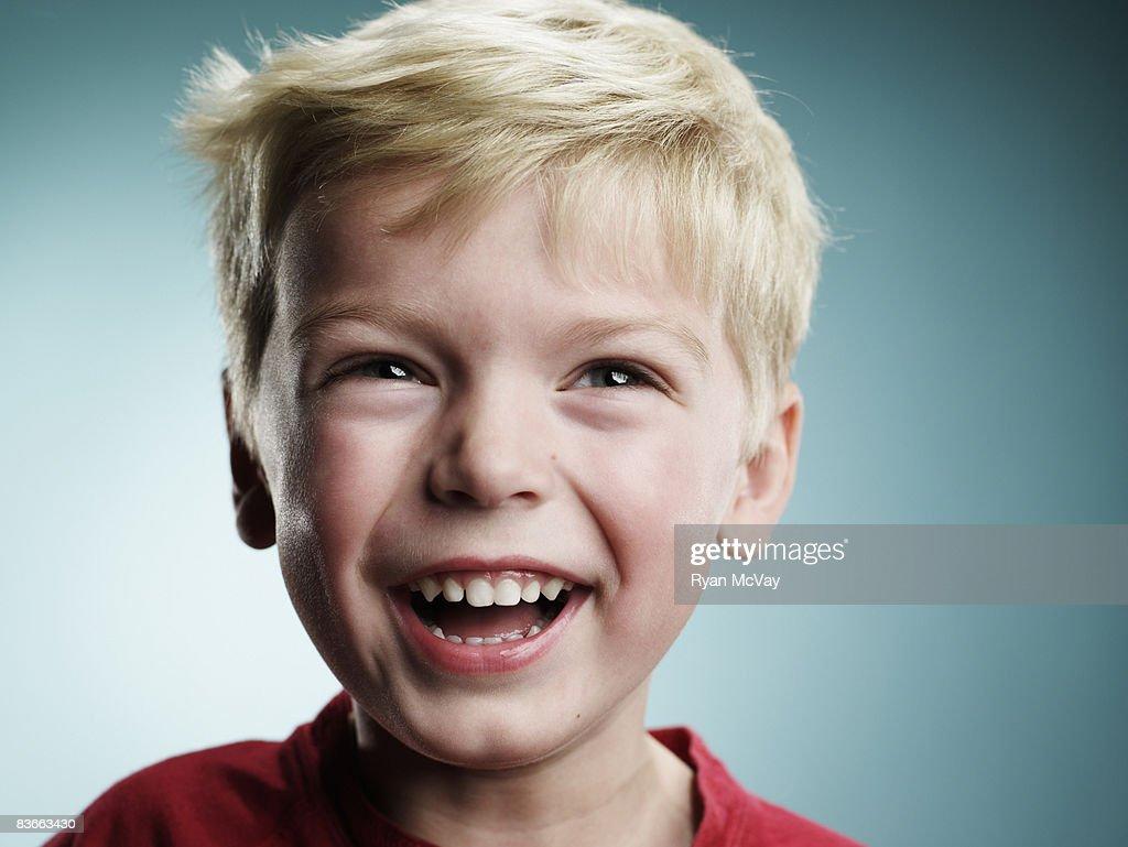 Laughing 4 year old boy : Bildbanksbilder