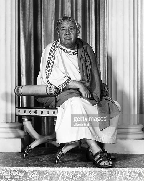 Laughton Charles Actor Great Britain / USA *01071899 Scene from the movie 'Spartacus'' Directed by Stanley Kubrick USA 1960 Produced by Bryna...