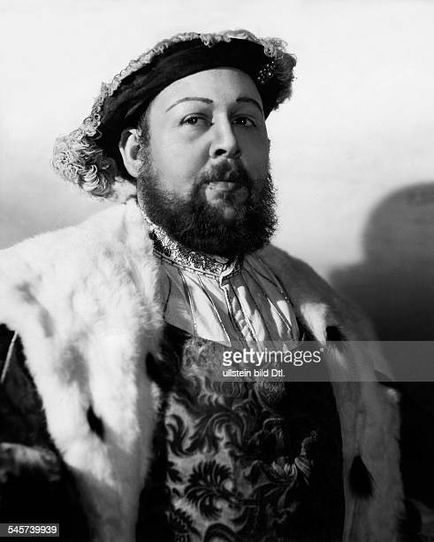 Laughton Charles Actor Great Britain / USA *01071899 Scene from the movie 'The Private Life of Henry VIII'' Directed by Alexander Korda Great Britain...