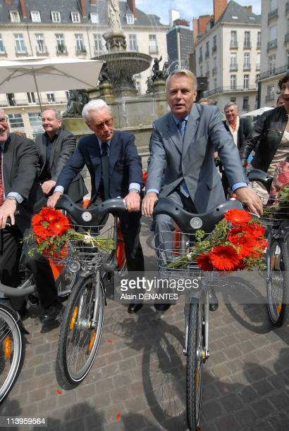 Launch of the Bicloo bike rental selfservice in the presence of JeanClaude Decaux and the singer Jeanne Cherhal godmother of bicloo In Nantes France...