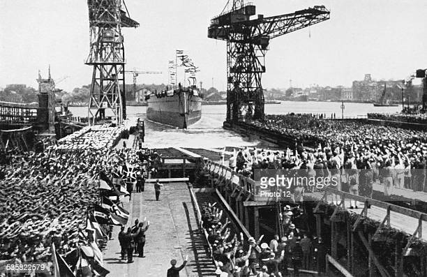 Launching of German armoured ship 'Admiral Graf Spee' in the Hamburg harbour Weimar Republic