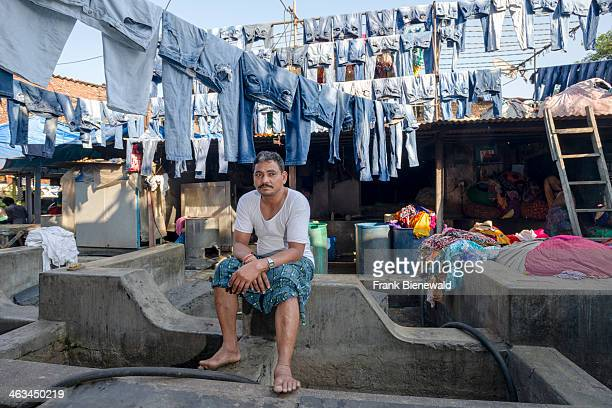 Laundry is put out to dry at Mahalaxmi Dhobi Ghat the world's largest outdoor laundry About 5000 workers live and work here doing the laundry for...