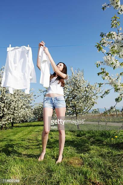 laundry orchard - 乾かす ストックフォトと画像