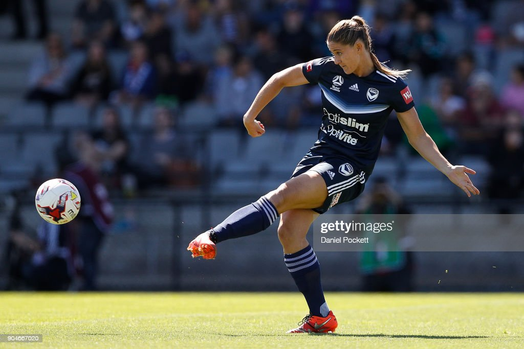 Laura Alleway of Melbourne Victory passes the ball during the round 11 W-League match between the Melbourne Victory and Melbourne City at Epping Stadium on January 14, 2018 in Melbourne, Australia.