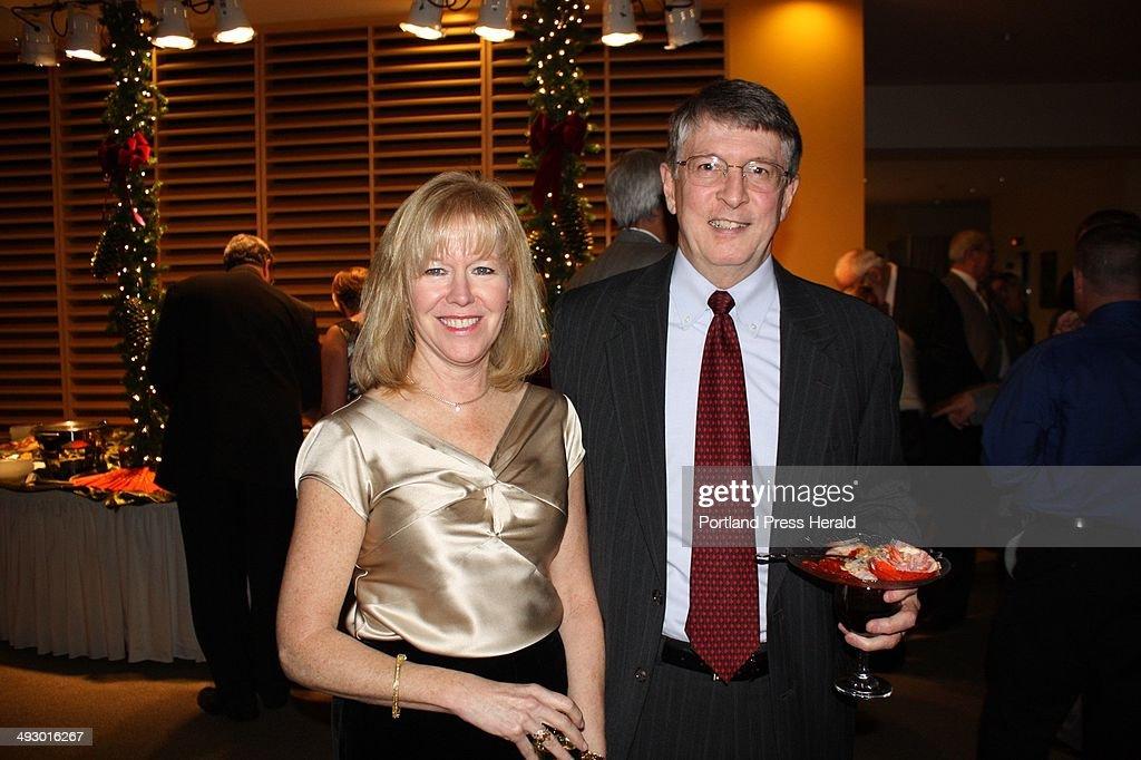 Td Bank Christmas Eve Hours.Laura And Chip Foye Of Td Bank Staff Photo News Photo