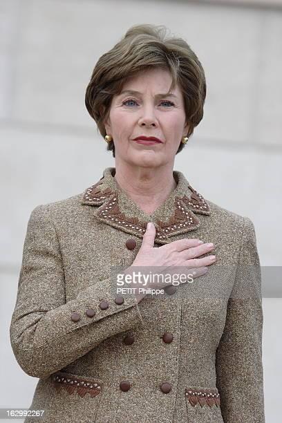 Laura Bush Visiting Paris For Three Days Laura BUSH à PARIS invitée par Bernadette CHIRAC pour une réunion internationale avec les épouses d'hommes...