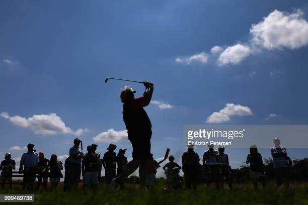 Laura Davies of England celebrates with the US Senior Women's Open trophy after winning in the final round at Chicago Golf Club on July 15 2018 in...