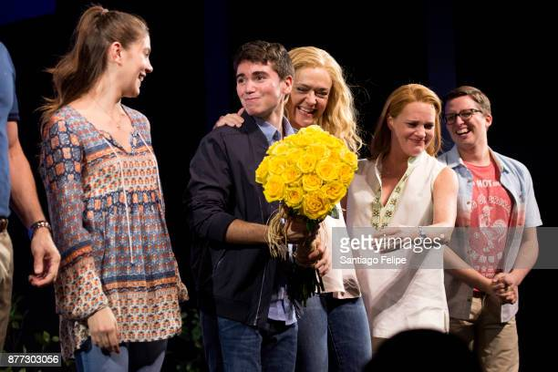 Laura Dreyfuss Noah Galvin Rachel Bay Jones Jennifer Laura Thompson and Will Roland take a bow onstage with the cast of 'Dear Evan Hansen' at Music...