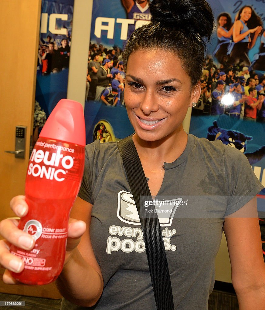 Neuro Drinks At LudaDay Weekend Celebrity Basketball Game : News Photo