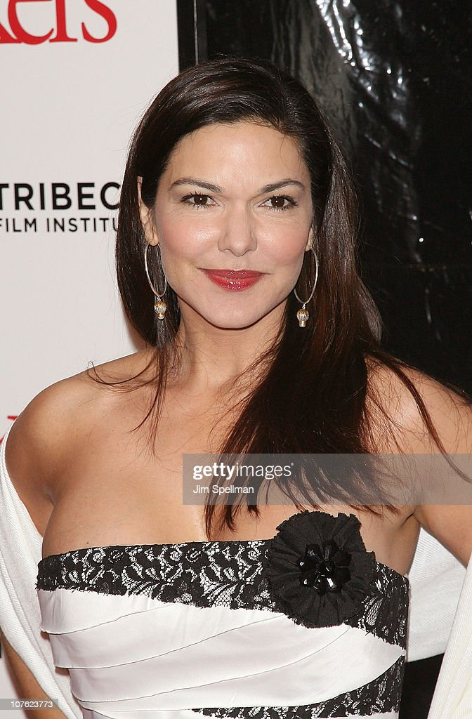 Laura Harring attends the World Premiere of 'Little Fockers' at the Ziegfeld Theatre on December 15, 2010 in New York City.