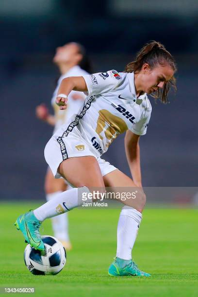 Laura Herrera of Pumas drives the ball during a match between Pumas and Juarez as part of the Torneo Grita Mexico A21 Liga MX Femenil on September...