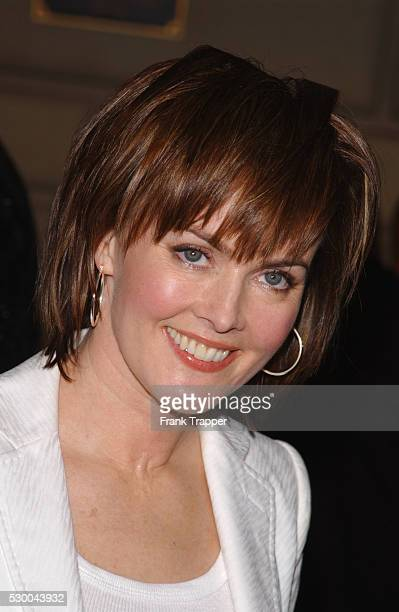 Laura Innes at the 28th annual People's Choice Awards 'ER' won for Favorite Television Dramatic Series