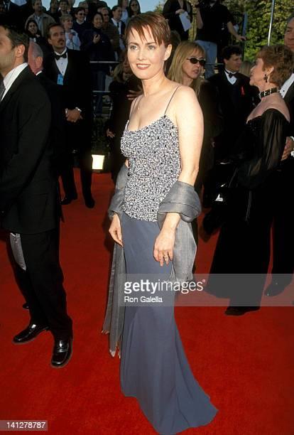 Laura Innes at the 5th Annual Screen Actors Guild Awards Shrine Auditorium Los Angeles