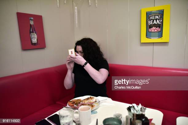 Laura Lee checks her make up as she enjoys a late breakfast in a previously  unreleased 945de599d