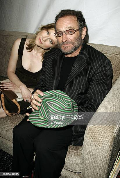 Laura Linney and Robin Williams during The 20th Annual IFP Independent Spirit Awards Green Room in Santa Monica California United States