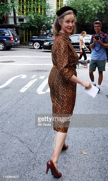 Laura Linney during Kinsey Movie Set in New York City August 19 2003 at Gramercy Park in New York City New York United States