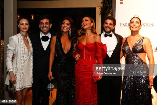 Laura Neiva Bruno Astuto Juliana Paes Sabrina Sato Duda Nagle and Carolina Ferraz attends 2016 amfAR Inspiration Gala on April 27 2017 in Sao Paulo...