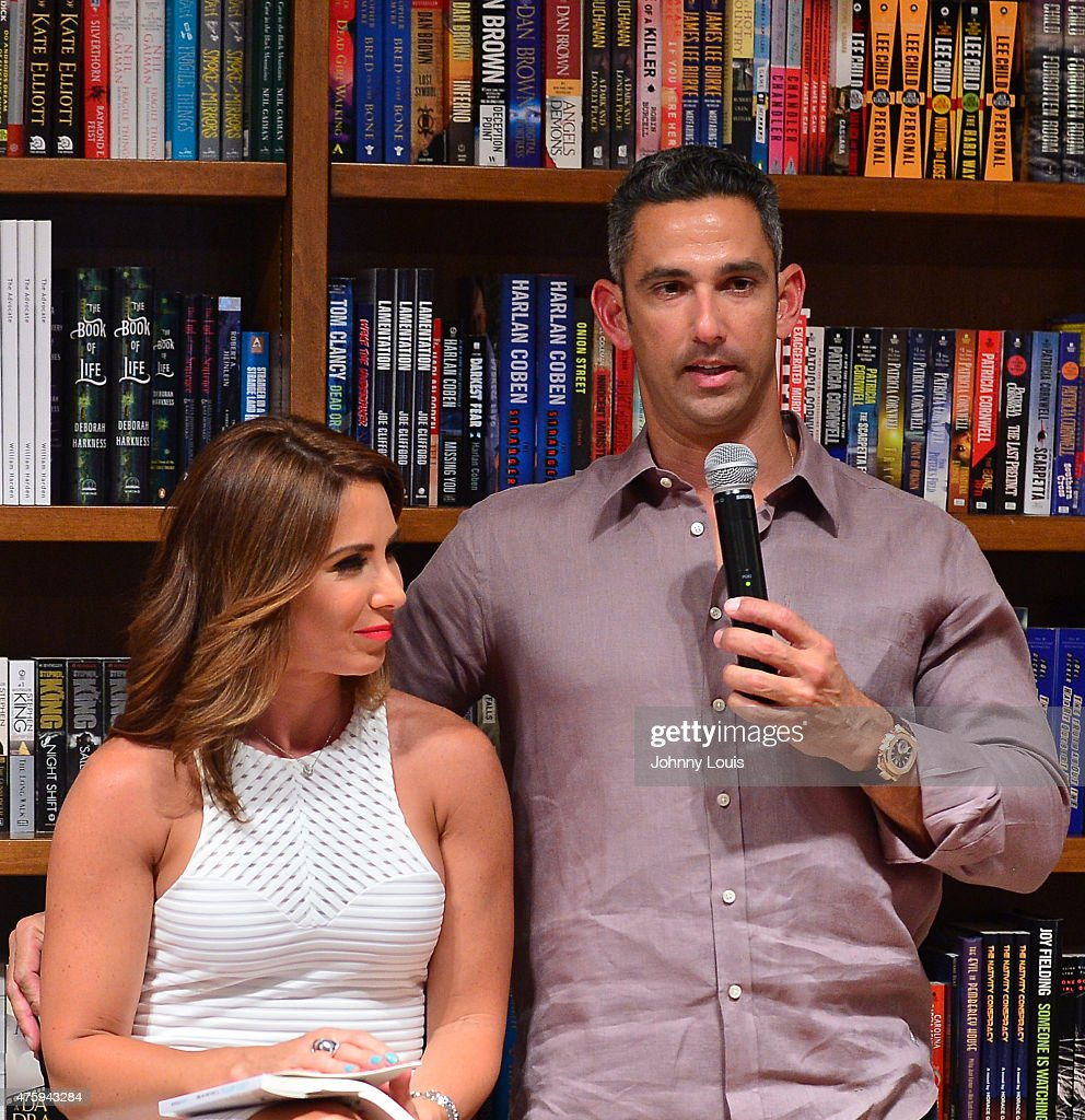Laura Posada Book Signing At Books And Books