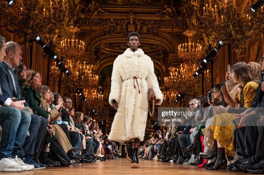 Stella McCartney : Runway - Paris Fashion Week Womenswear Fall/Winter 2020/2021 : Photo d'actualité