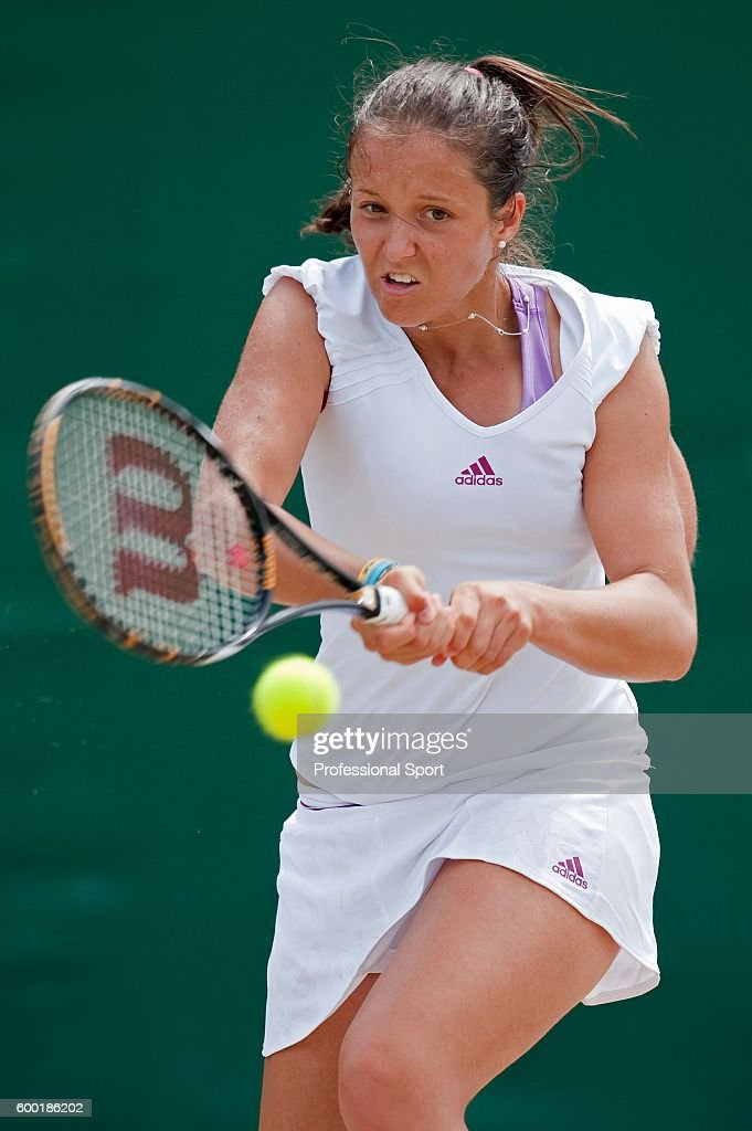 Laura Robson of Great Britain in action during her Girls Singles... Photo d'actualité - Getty Images
