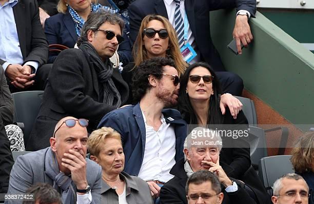Laura Smet and her boyfriend Raphael below Marie Drucker and her husband Mathias Vicherat attend the Men's Singles final between Novak Djokovic of...