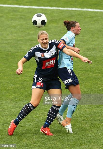 Laura Spiranovic of Melbourne and Anna Green contest possession during the round five WLeague match between Sydney FC and the Melbourne Victory at...