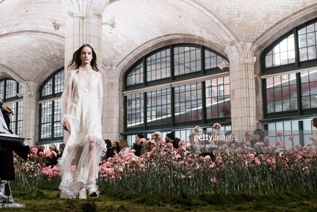 Tory Burch - Runway - February 2018 - New York Fashion Week : ニュース写真