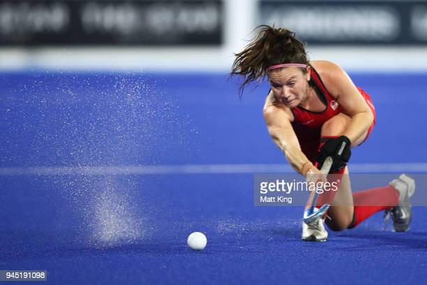 Laura Unsworth of England passes during Women's Semi Final Hockey match between England and New Zealand on day eight of the Gold Coast 2018...