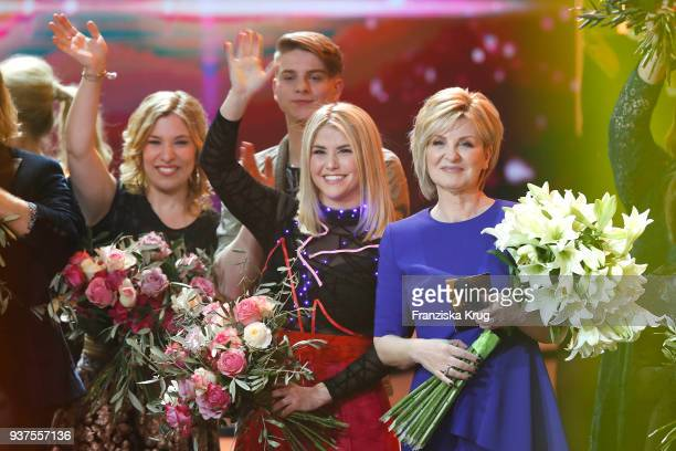 Laura Wilde Vincent Gross Beatrice Egli and Carmen Nebel during the tv show 'Willkommen bei Carmen Nebel' on March 24 2018 in Hof Germany The show...