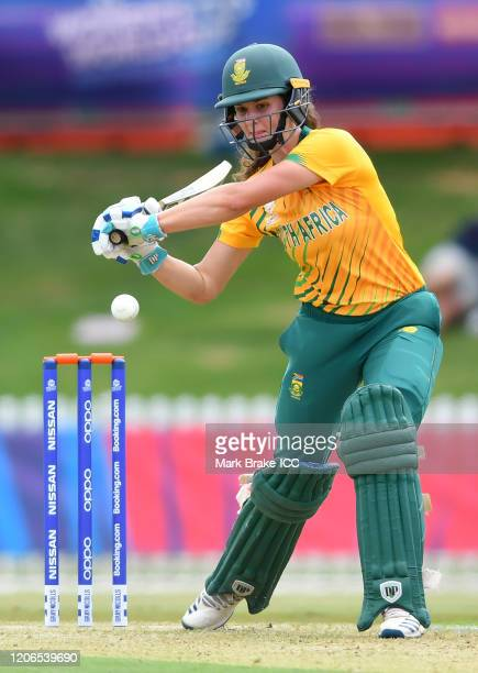Laura Wolvaardt of South Africa bats during the ICC Women's T20 Cricket World Cup Warm Up match between Sri Lanka and South Africa at Karen Rolton...