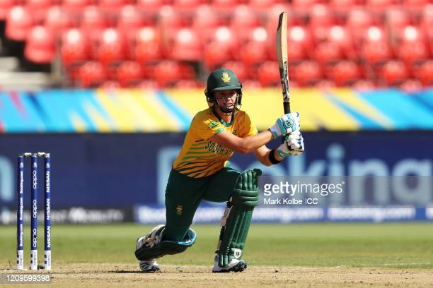 Laura Wolvaardt of South Africa bats during the ICC Women's T20 Cricket World Cup match between South Africa and Pakistan at Sydney Showground...