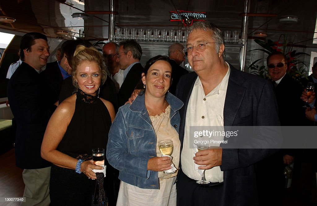 Laurane Sheehan, Gretchen Newman & Randy Newman during Cannes 2002 - Anheuser Busch and Hollywood Reporter Dinner with Randy Newman in Cannes, France.