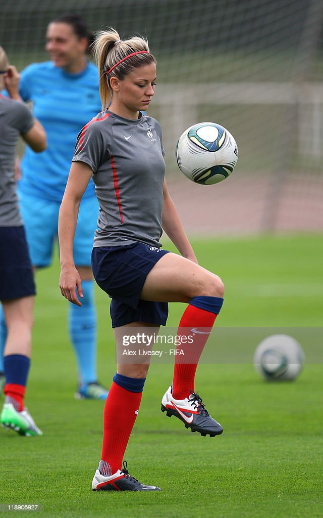 France Training Session - FIFA Women's World Cup 2011 : News Photo