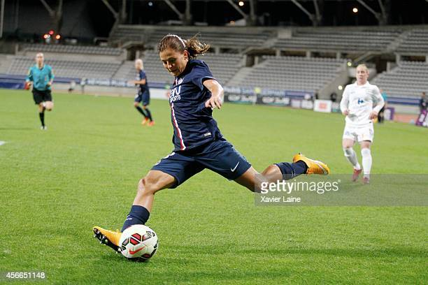 Laure Boulleau of Paris SaintGermain in action during the Women Division 1 between Paris SaintGermain FC and FCF Juvisy Essonne at Charlety on...