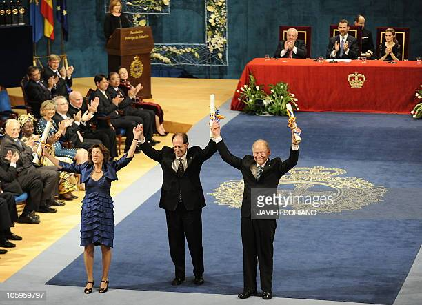 Laureates of the Prince of Asturias Award for Technical and Scientific Research, Scientific leaders in the battle against pain, US biochemist and...