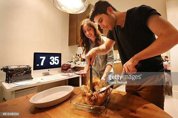 TORONTO ON OCTOBER 2 Lauren and her boyfriend go to the internet for a quick tutorial on carving a turkey Toronto Star reporter Lauren Pelley hosts a...