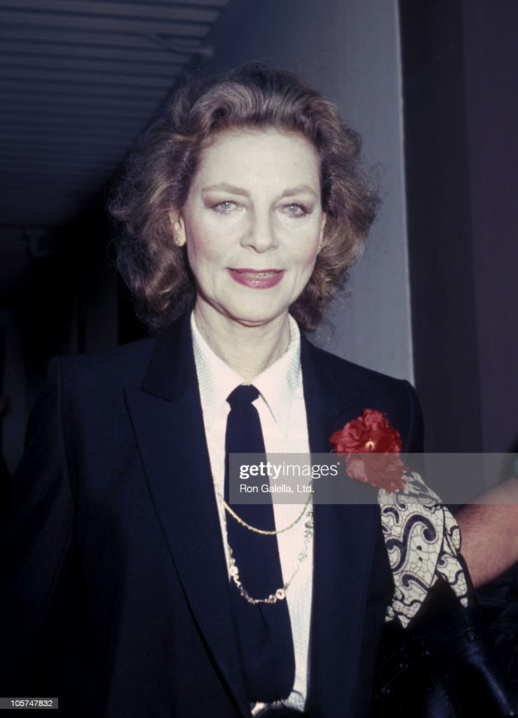 Lauren Bacall Lauren-bacall-during-lauren-bacall-at-a-taping-of-the-tonight-show-picture-id105747832