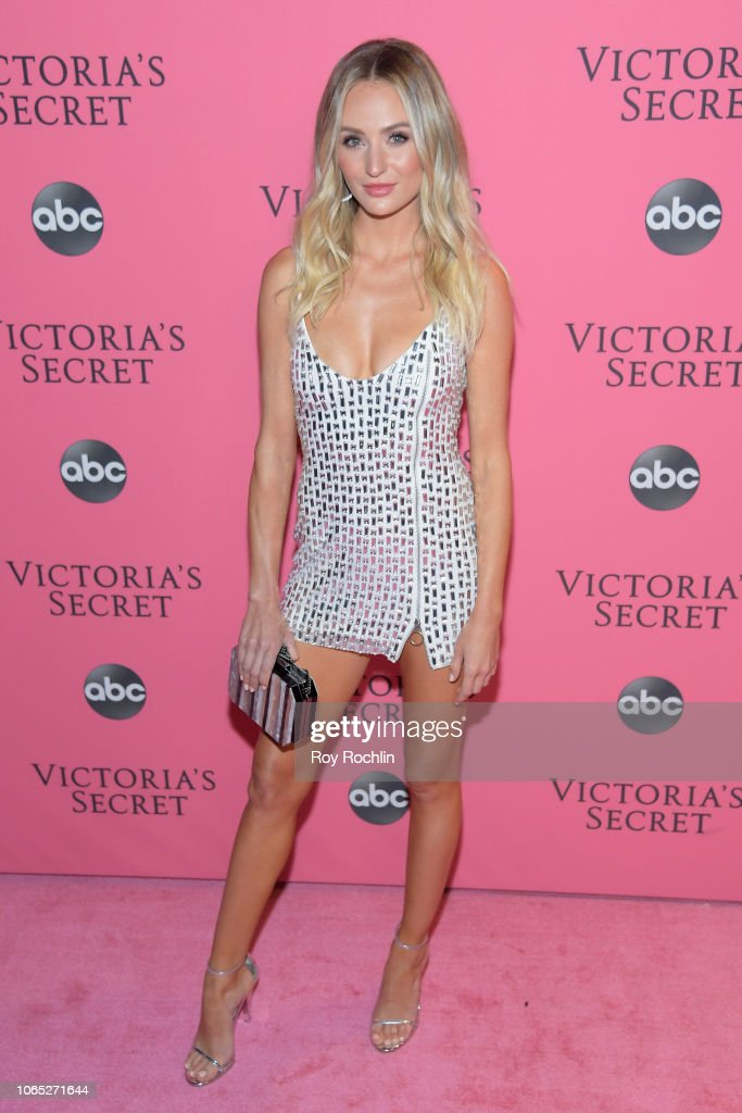 2018 Victoria's Secret Fashion Show - Arrivals : News Photo