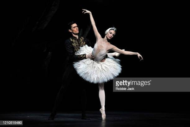 Lauren Cuthbertson as Odette/Odile and William Bracewell as Prince Siegfried in The Royal Ballet's production of Lev Ivanov and Marius Petipa's Swan...