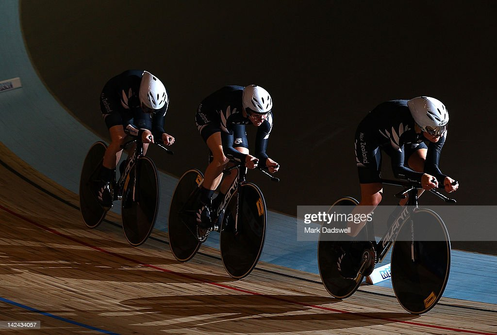 Lauren Ellis, Jaimie Nielsen and Alison Shanks of New Zealand compete in the Womens Team Pursuit at Hisense Arena on April 5, 2012 in Melbourne, Australia.