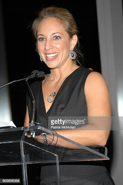 Lauren Glassberg attends LIVE4LIFE Benefit Gala at Mandarin Oriental on October 16 2006 in New York City