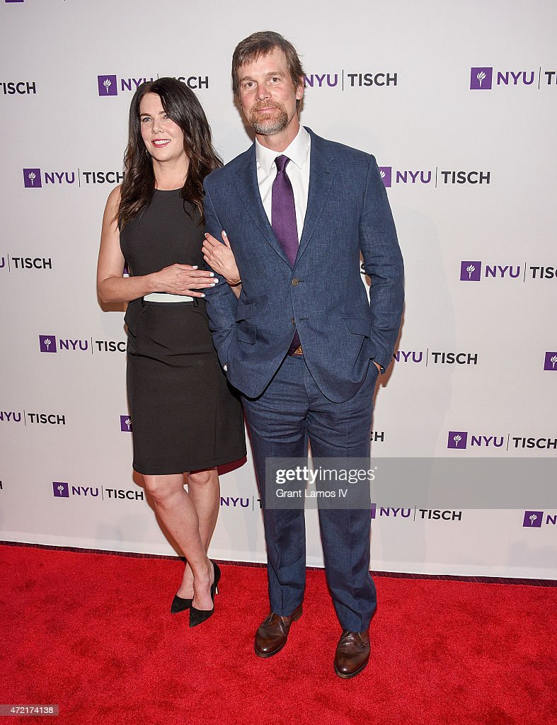 Lauren Graham and Peter Krause attend the NYU Tisch School Of The Arts 2015 Gal at Frederick P. Rose Hall, Jazz at Lincoln Center on May 4, 2015 in New York City.
